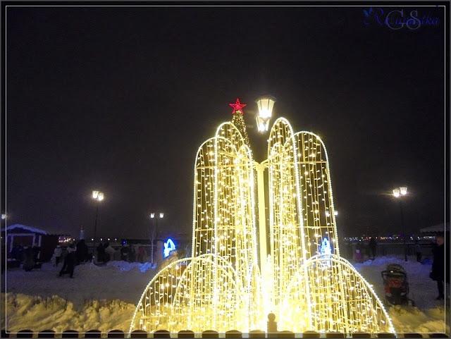 зимний городок на набережной