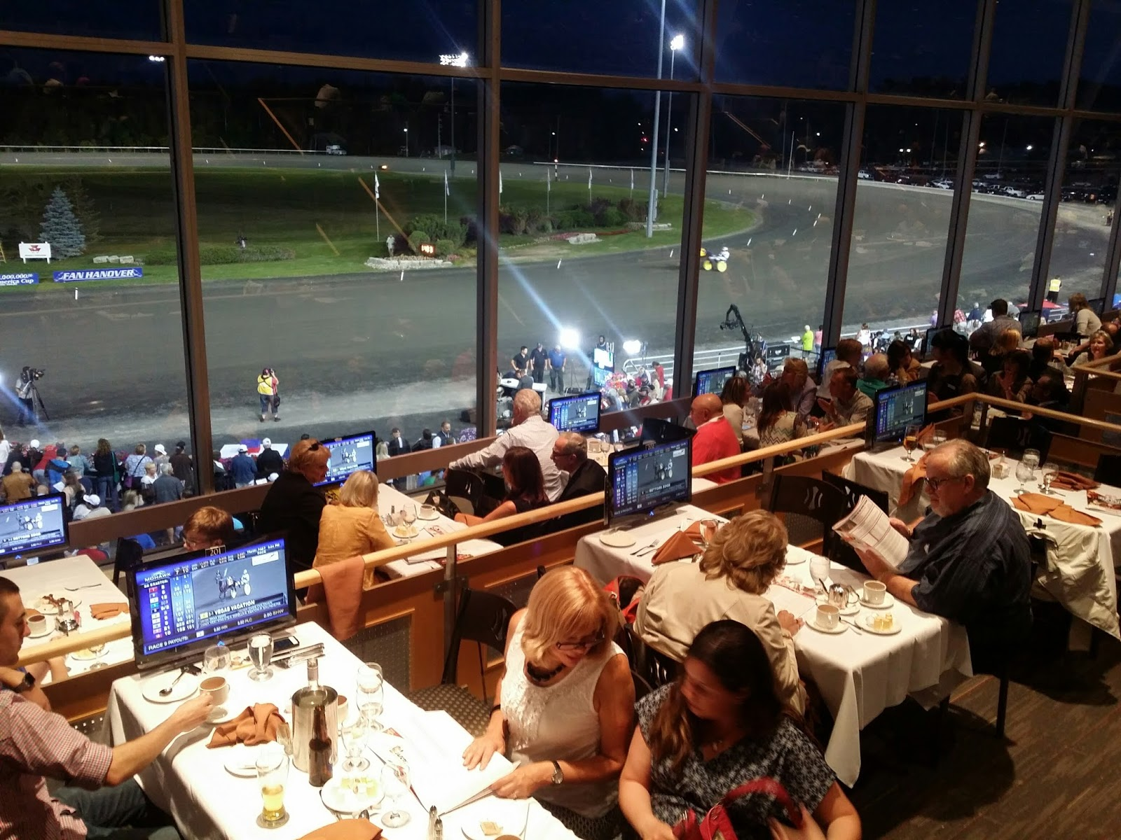 Mohawk Raceway Dining