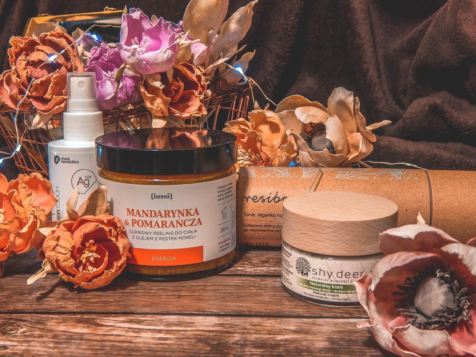 1 kosmetyki idealne na jesień do skóry szarej zmęczonej tłustej suchej mieszanej blog recenzja opinie trzy zorze kosmetykoholiczka pielęgnacja naturalne produkty wiecznie żywe kwiaty do zdjęć sztuczne