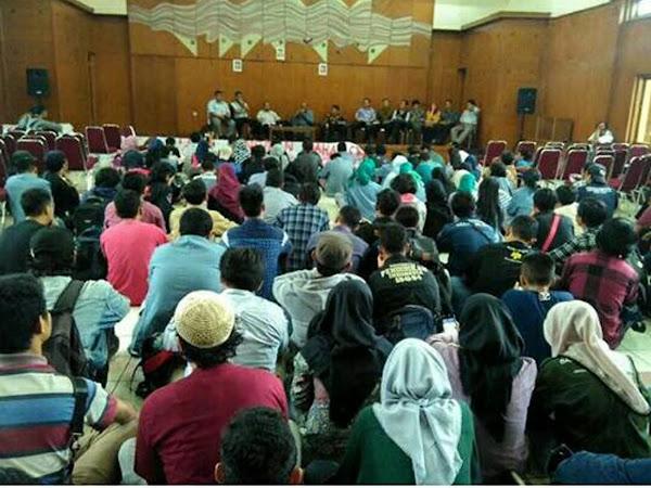 Aksi Trituma Mahasiswa UPI terkait parkir bayar dan pembatasan jam