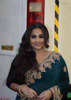 Vidya Balan looks super cute in Saree 005.jpg