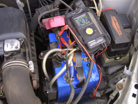 panasonic caos N-60B-19R/C5 2日後には普通の電圧へ、今後はサンダーアップ2のサルフェーション除去効果と相まって長持ちしてくれればイイのですけど