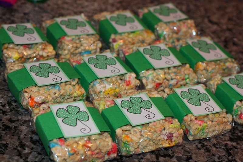 Lucky Charms! They're magically delicious. And if you're a marshmallow lover like me, what could be more magically delicious than adding extra marshmallows to make marshmallow squares? Tip: Pick out a handful of marshmallow shapes and set them aside. Once you've transferred the marshmallow and Servings: