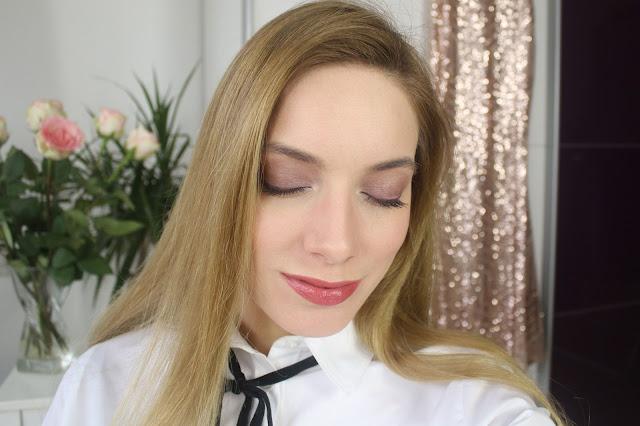 chanel Le Rouge De Crayon swatch and makeup