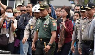 Panglima TNI Bantah Kabar Jika Pihaknya Telah Menangkap Penyusup yang Ingin Bunuh Presiden - Commando