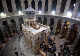 Jesus Tomb In Jerusalem Re-Opens After Nine Months Restoration 1