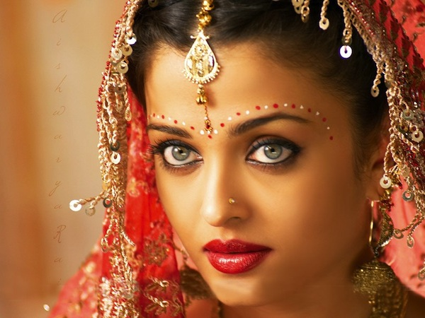 The Indian Wedding Blog: Bridal accessories | Bindis
