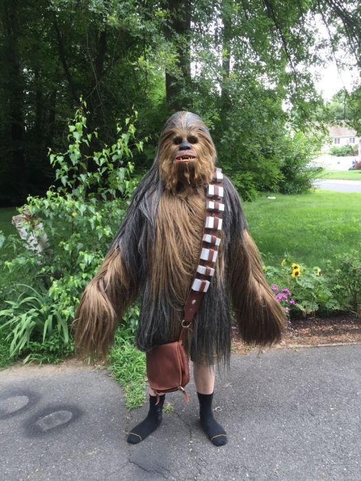 Fan Builds His Own Lifelike Chewbacca Costume From Star Wars - Funny web funny life | S&leFun.com & Fan Builds His Own Lifelike Chewbacca Costume From Star Wars - Funny ...
