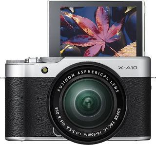 Fujifilm X-A10, экран поворачивается вверх на 180 градусов