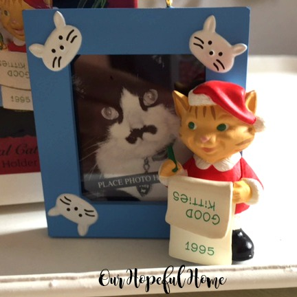 Hallmark Keepsake Ornament Special Cat Photo Holder 1995 Good Kitties