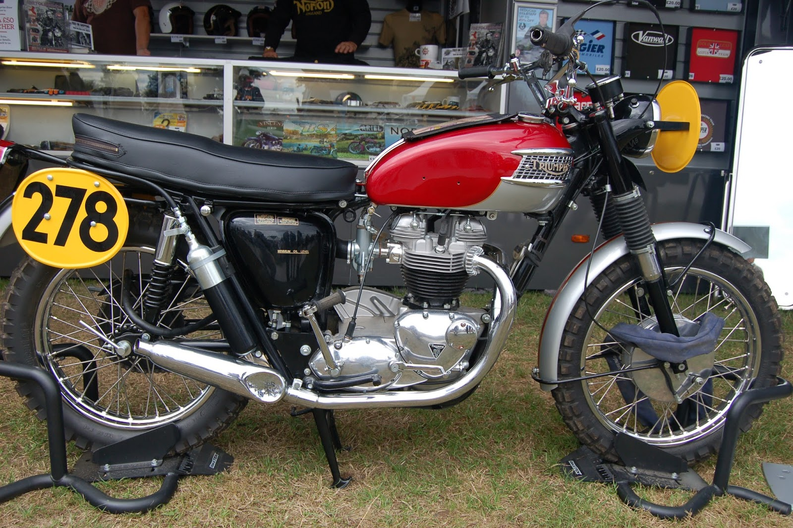 european motorcycle diaries steve mcqueen triumph isdt bike. Black Bedroom Furniture Sets. Home Design Ideas