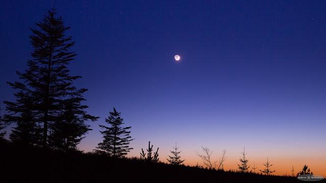 Rapprochement Lune-Mercure au crépuscule