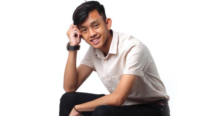 Biodata Ismail Izzani Penyanyi Lagu DEMI KITA