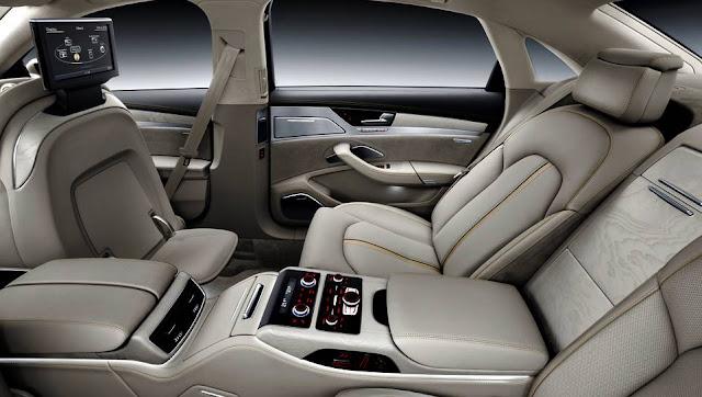 2016 Toyota Crown Interior