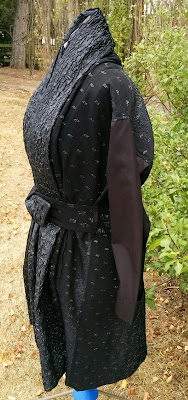 Creates Sew Slow: Vogue 1836 Issey Miyake Gorgeous Raincoat