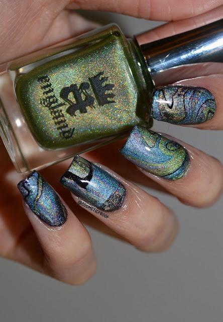 A England Drip Marble Nail Art