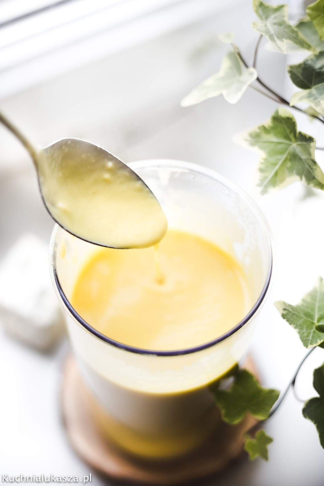 Sos mango z serem pleśniowym - przepis