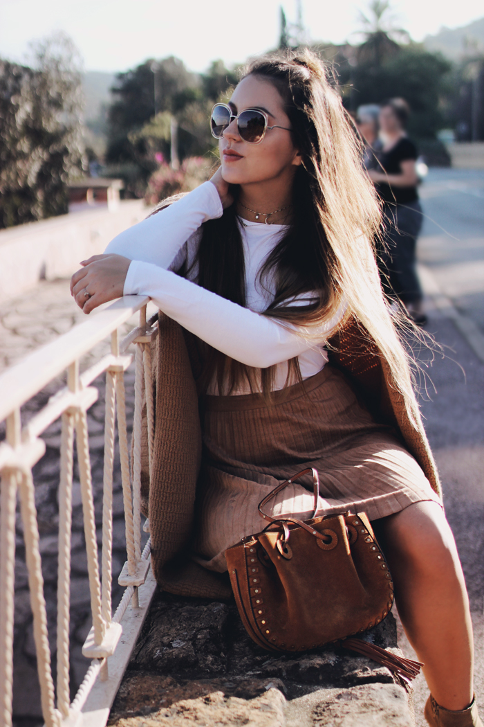how to wear camel brown color blogger outfit