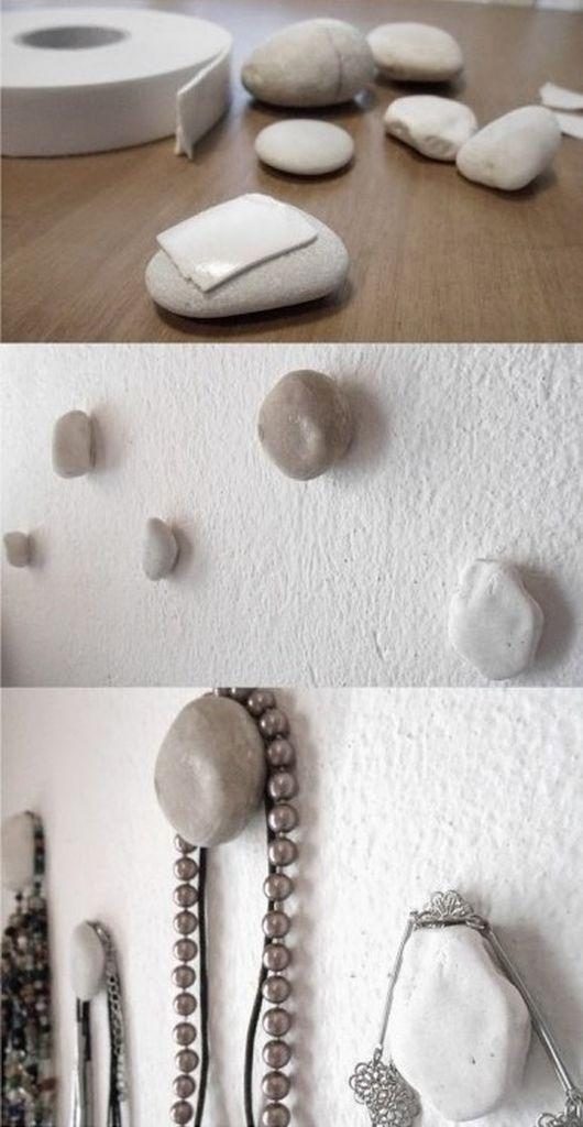 Pedras e fita dupla face para quadros Ideias para organizar bijuterias