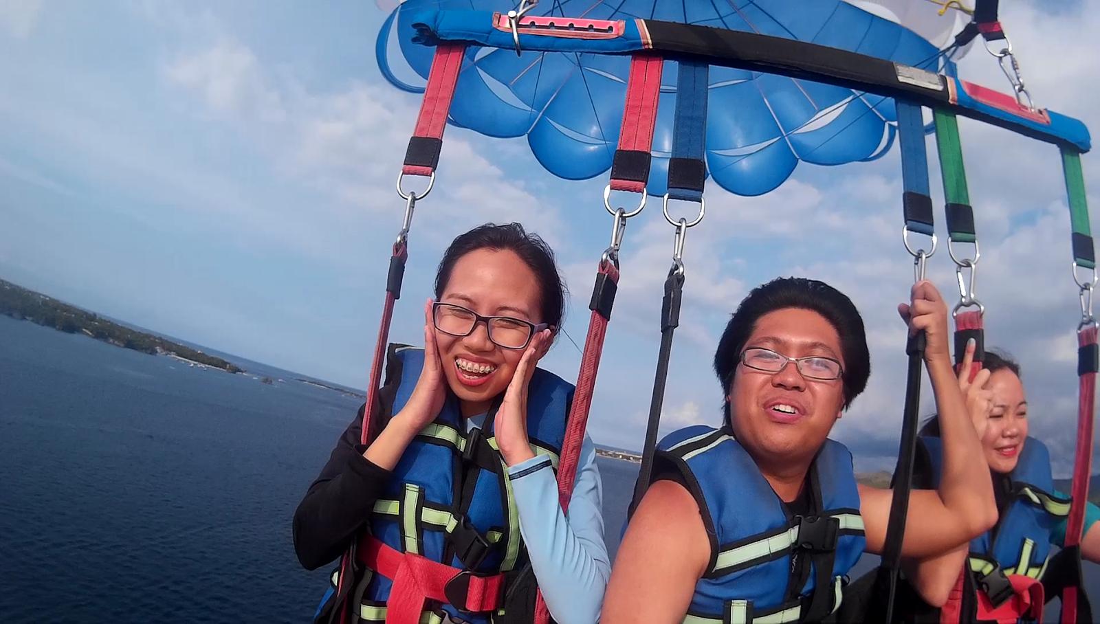 parasailing fun activity