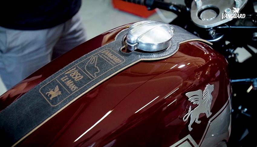 8negro_Moto Guzzi V850 La Mans
