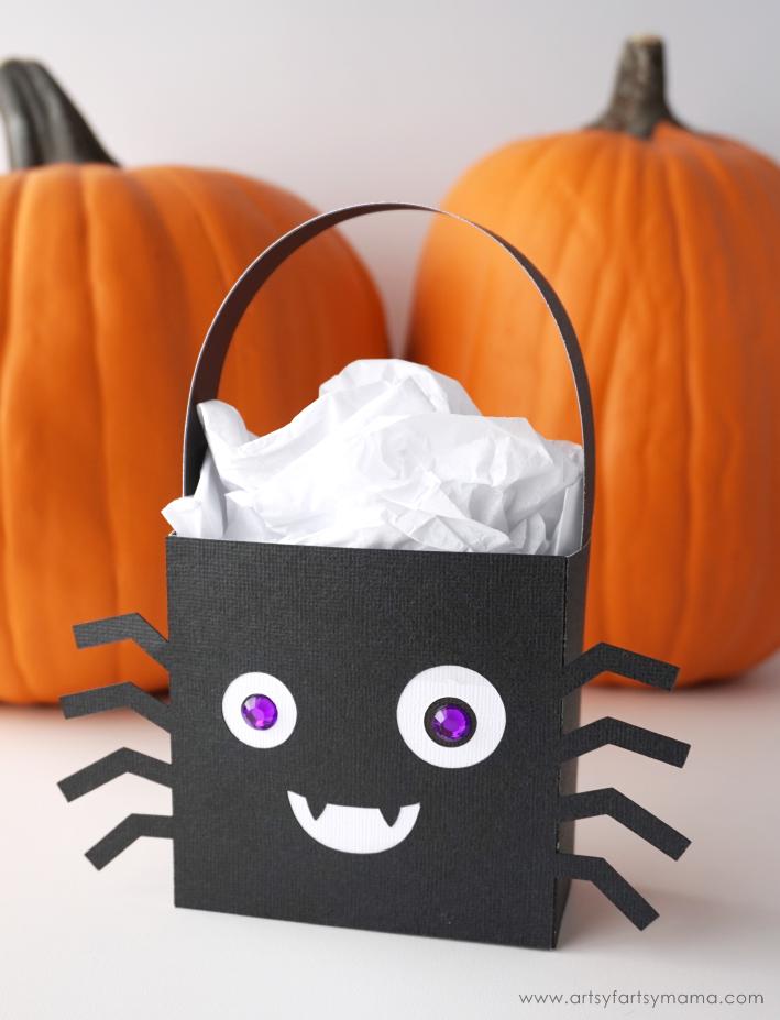 Halloween Spider Character Treat Bag made with Cricut Maker #CricutMade