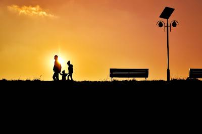 Tips Membuat Foto Keluarga yang Istimewa