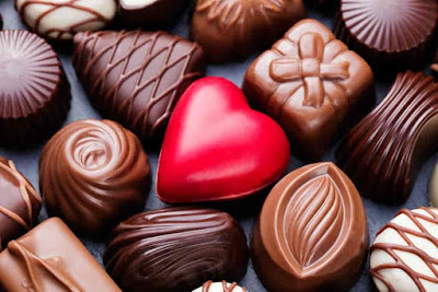Happy Chocolate Day Hindi Images in Hd