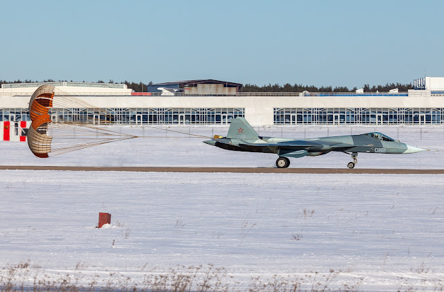 sukhoi t-50 parachute braking