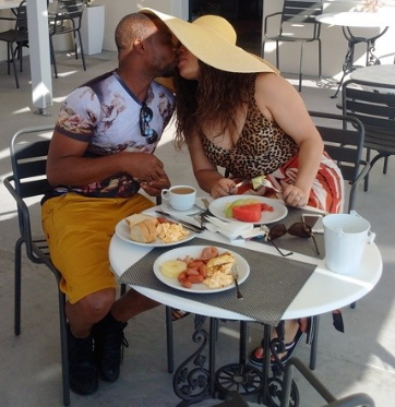monalisa chinda honeymoon santorini greece