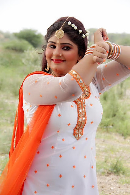 Neha Shree is a well known and famous heroin of Bhojpuri cinema