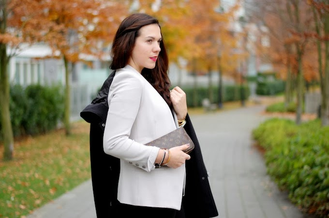 Helmut Lang Gala knit blazer outfit post
