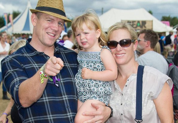 Zara Phillips ve Mike Tindall couple is having a holiday in Australia with their three years old daughter Mia