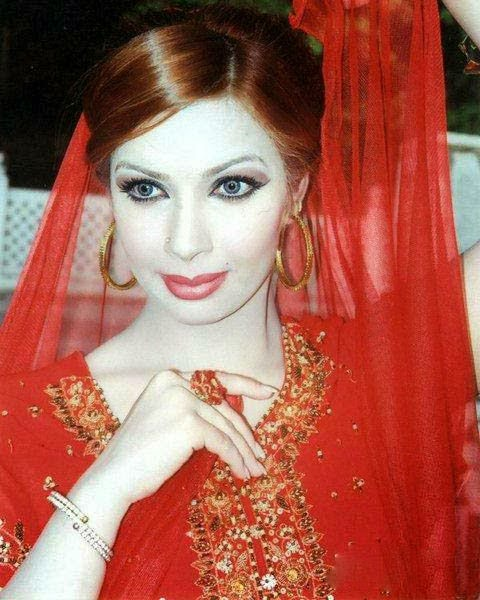 Hot Mujra: Sher Khan Pashto Full Nanga Live Mujra 2014