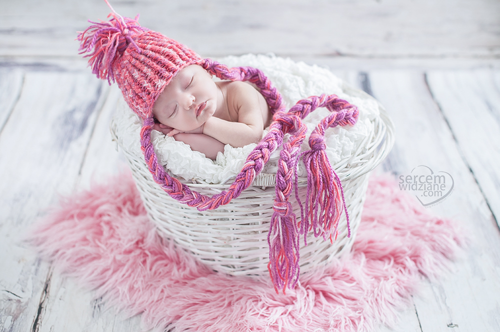 noworodek-sesja, bezpieczna sesja dla mojego maleństwa, sesja noworodkowa w bezpiecznych warunkach w zaciszu własnego domu,