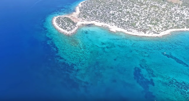 """Η """"Γαλάζια Λίμνη"""" της Κορινθίας (βίντεο drone)"""