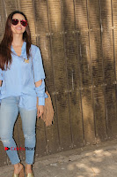 Actress Sana Khan Pos in Denim Jeans Dubbing at Her Upcoming Movie Toilet Ek Prem Katha .COM 0007.jpg