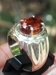 lustrous hessonite garnet