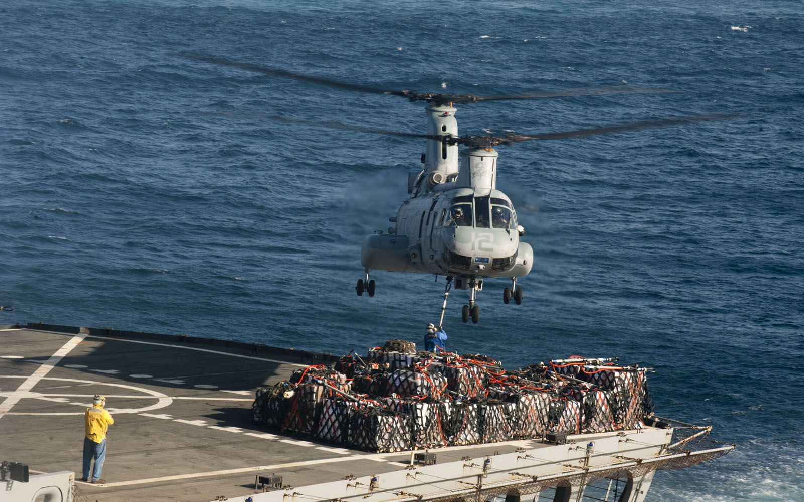Wallpapers Ch 46 Sea Knight Cargo Helicopter