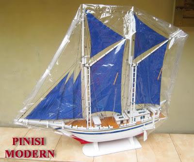 Miniatur kapal laut, miniatur kapal layar, miniatur kapal Pinisi, Miniatur kapal Phinisi, Miniatur kapal UNIK, Miniatur kapal Mojokerto