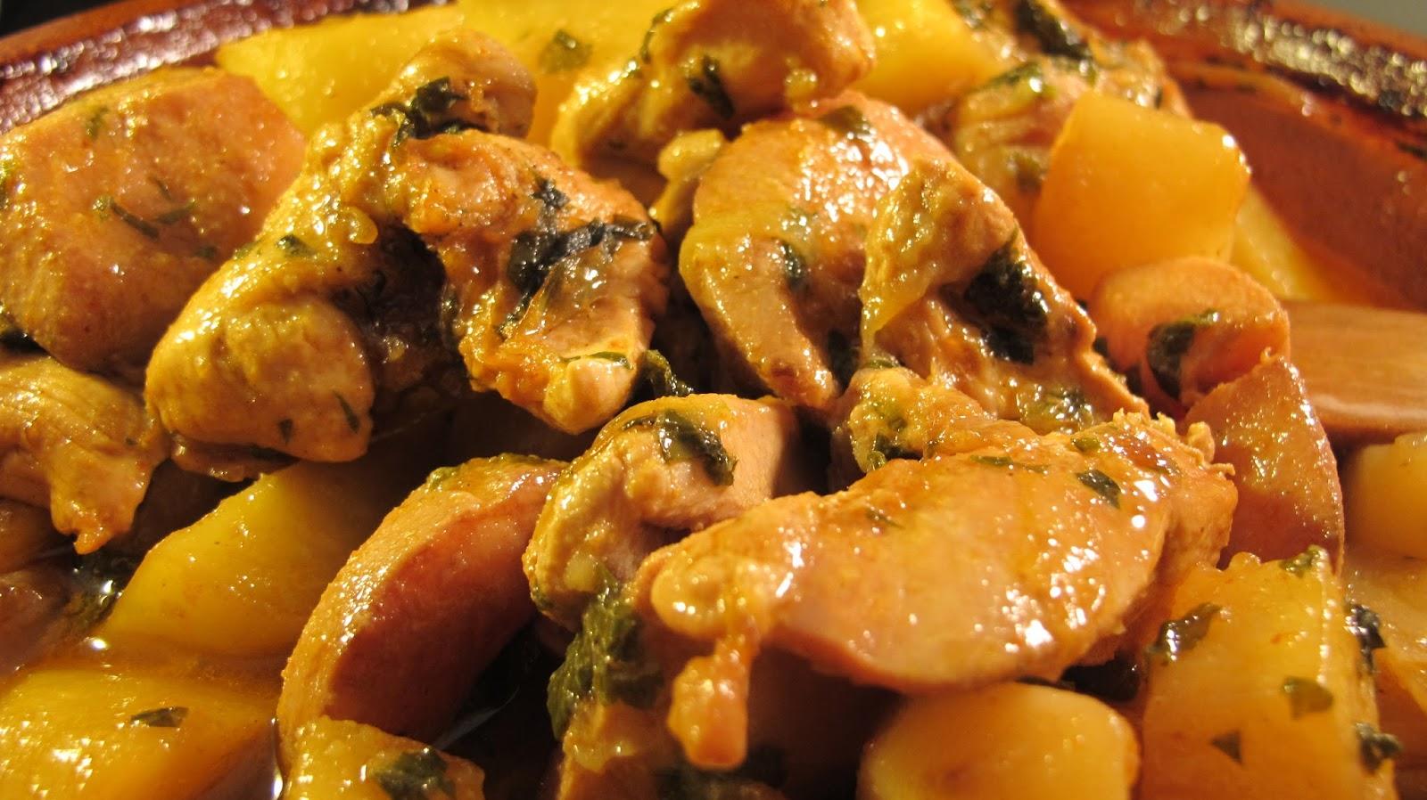 Tajine de poulet aux pommes de terre et coings le blog - Comment cuisiner des blancs de poulet ...
