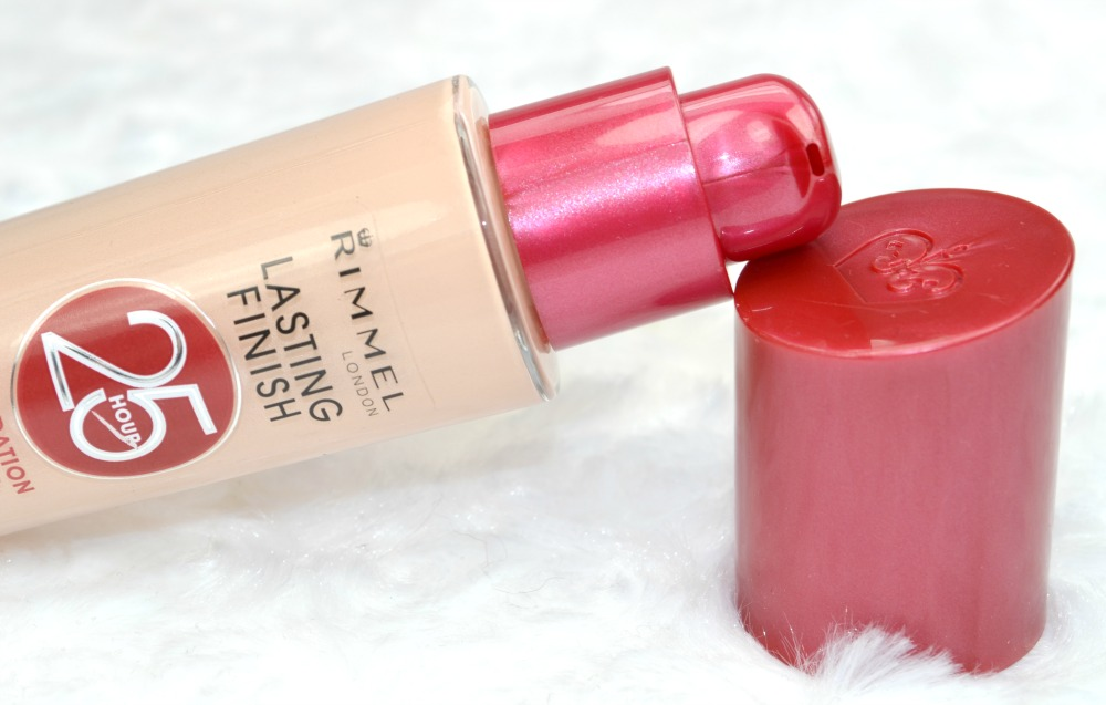 Rimmel 25 Hour Lasting Finish Foundation in Light Porcelain - Review and Swatches