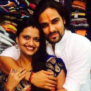 Foto Arpit Ranka dengan Istrinya Nidhi Somani