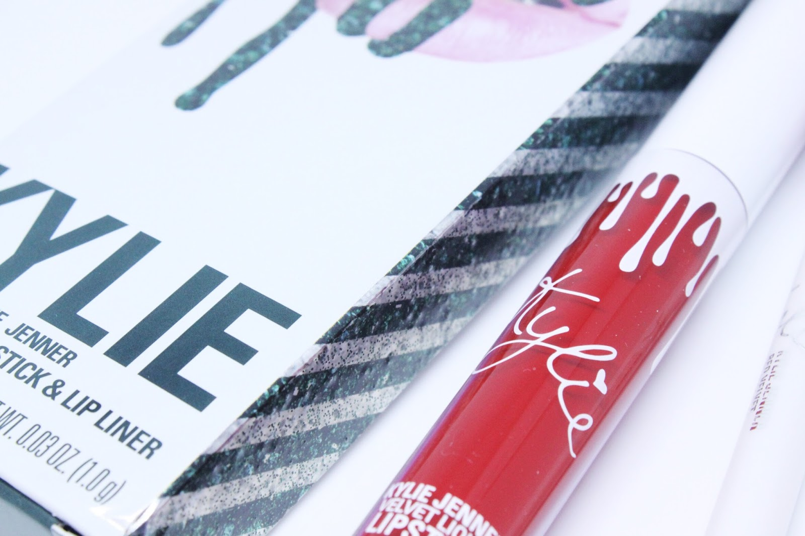 Kylie Cosmetics 'Red Velvet' Holiday Bundle Collection 2017
