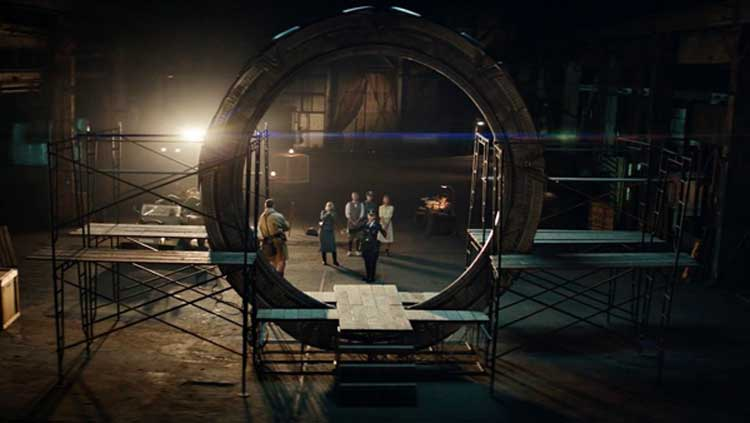 A cool shot from behind the Stargate from the new series Stargate Origins.