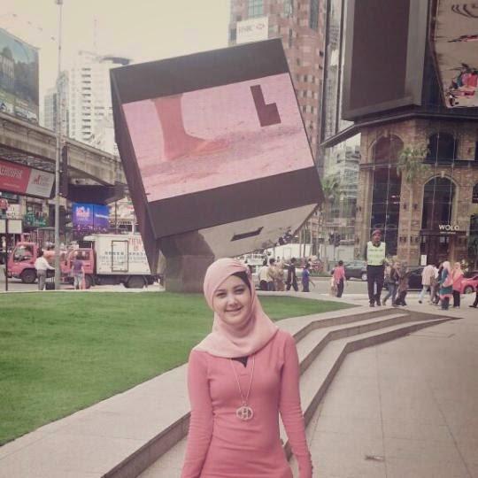 Igo Foto Wanita Cantik Asli Indonesia Yang Menggunakan