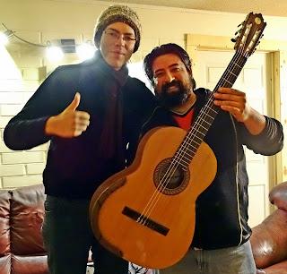 Entrega de guitarra de luthier Claudio Rojas  - Guitarra - luthier - músico