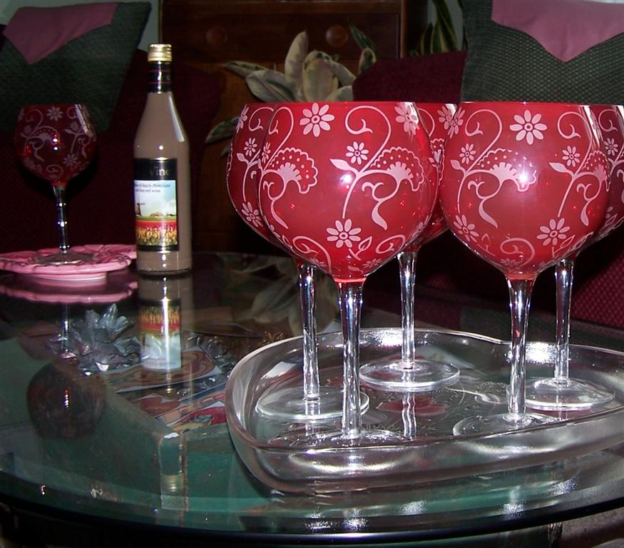 Christmas Decorations With Wine Glasses: Perennial Passion: I Added A Few Items To My Valentine