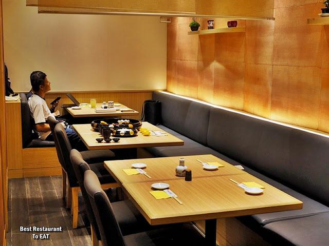 UMAI SUSHIKAN LOT 10 J'S GATE DINING Area