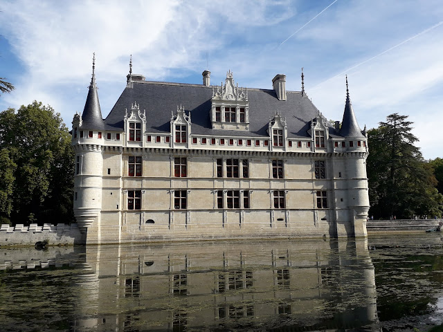 Chateau Azay-le-Rideau floating on the water